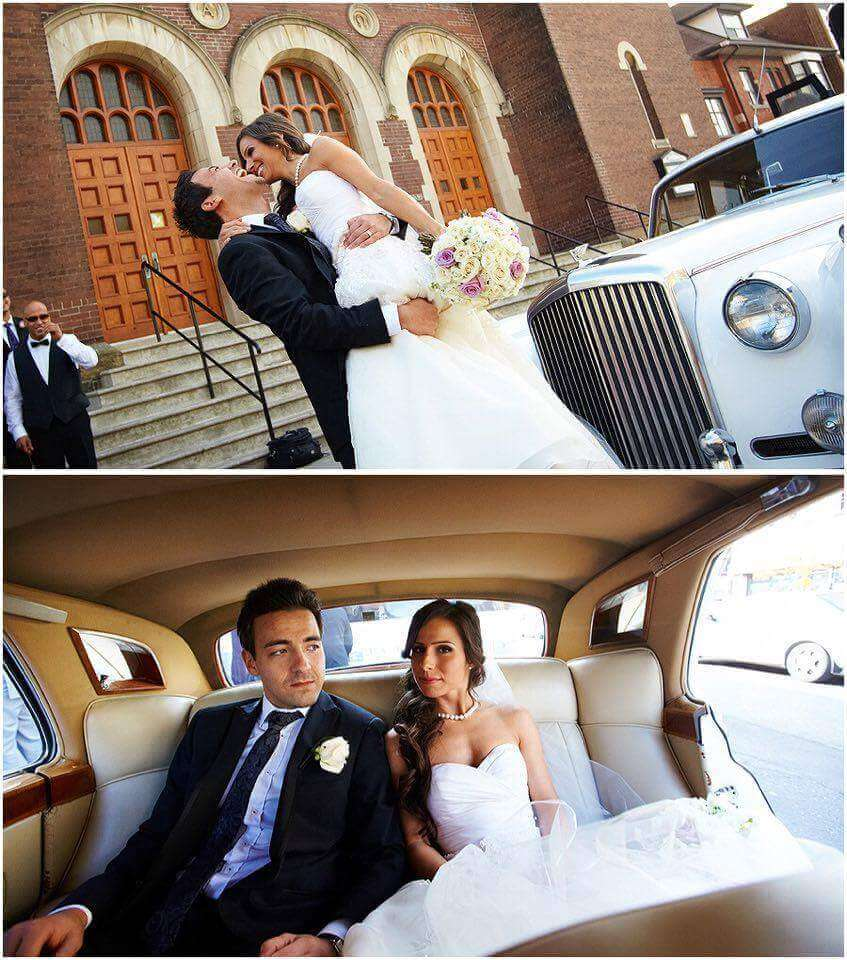 Wedding Couple in vintage Rolls Royce